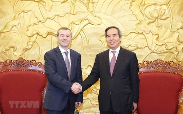 Formal meetings with leaders of the Vietnamese economic bloc